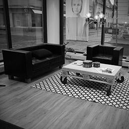 Studio Tomi Yrjänä, parturi-kampaamo Kokkolassa Isokadulla.